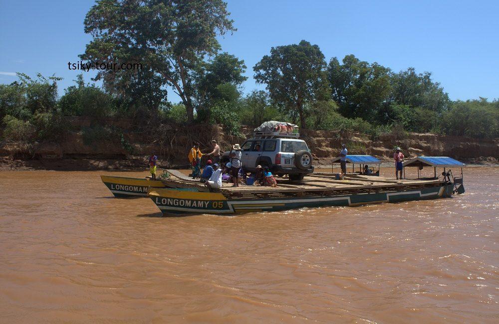 road to the Tsingy of Bemaraha