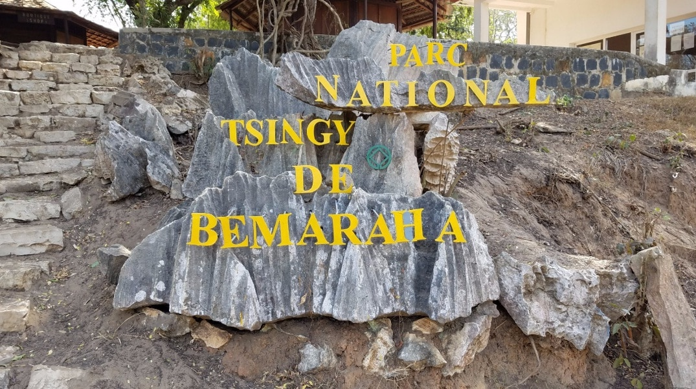 tsingy tour tsingy of bemaraha tour